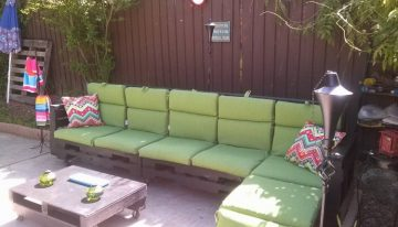 Cute Movable Patio Pallets Furniture