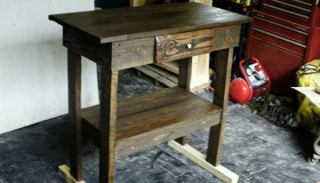 DIY Pallet Wooden Entry Table / Hutch
