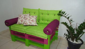Used Pallets Turned into Couch DIY Tutorial