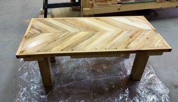 DIY Pallets Herringbone Bench