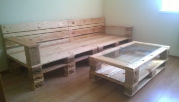 Pallets Made Coffee Table and Sofa
