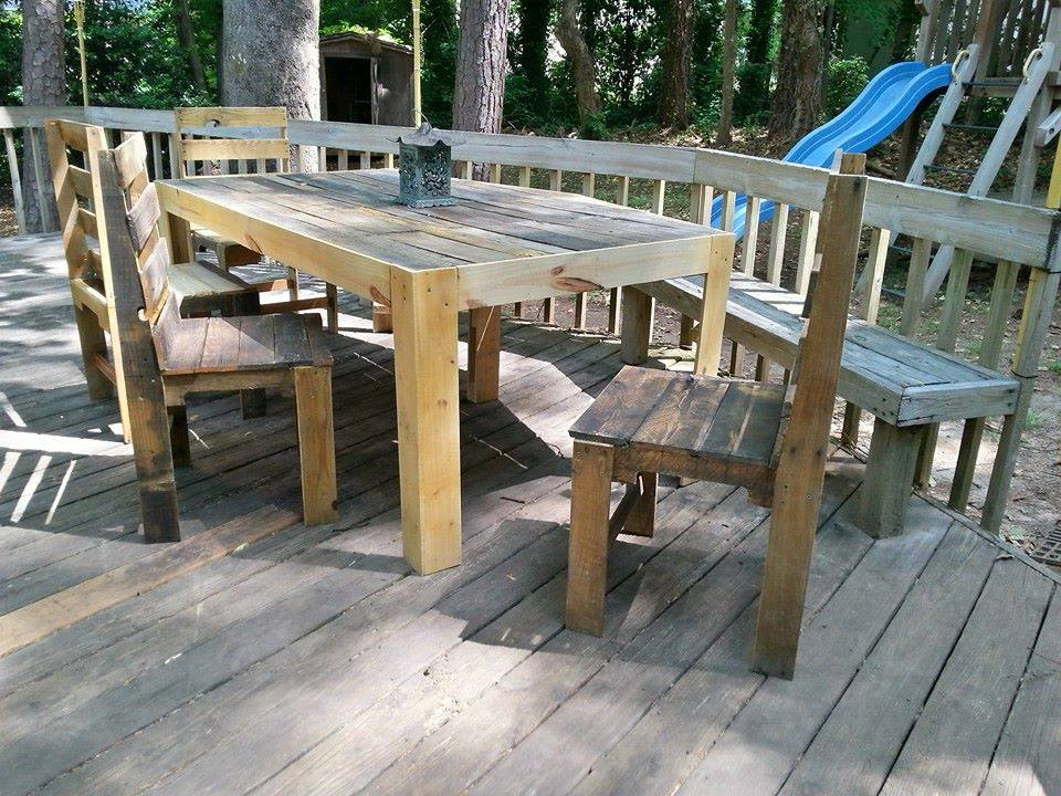 Pallets patio deck and furniture pallet ideas recycled for Outdoor deck furniture ideas