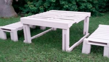 Pallets Outdoor Picnic Table with Benches