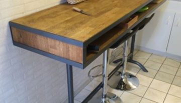 Pallets Wood Fence Recycled to Bar Table