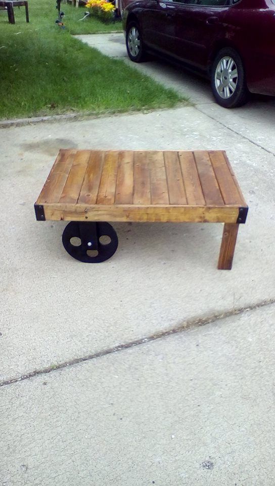 Pallets Coffee Table With Wheels Pallet Ideas
