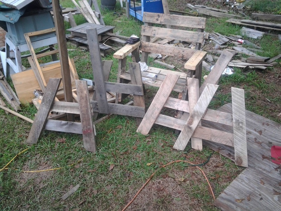 Chairs from Pallets Scrap