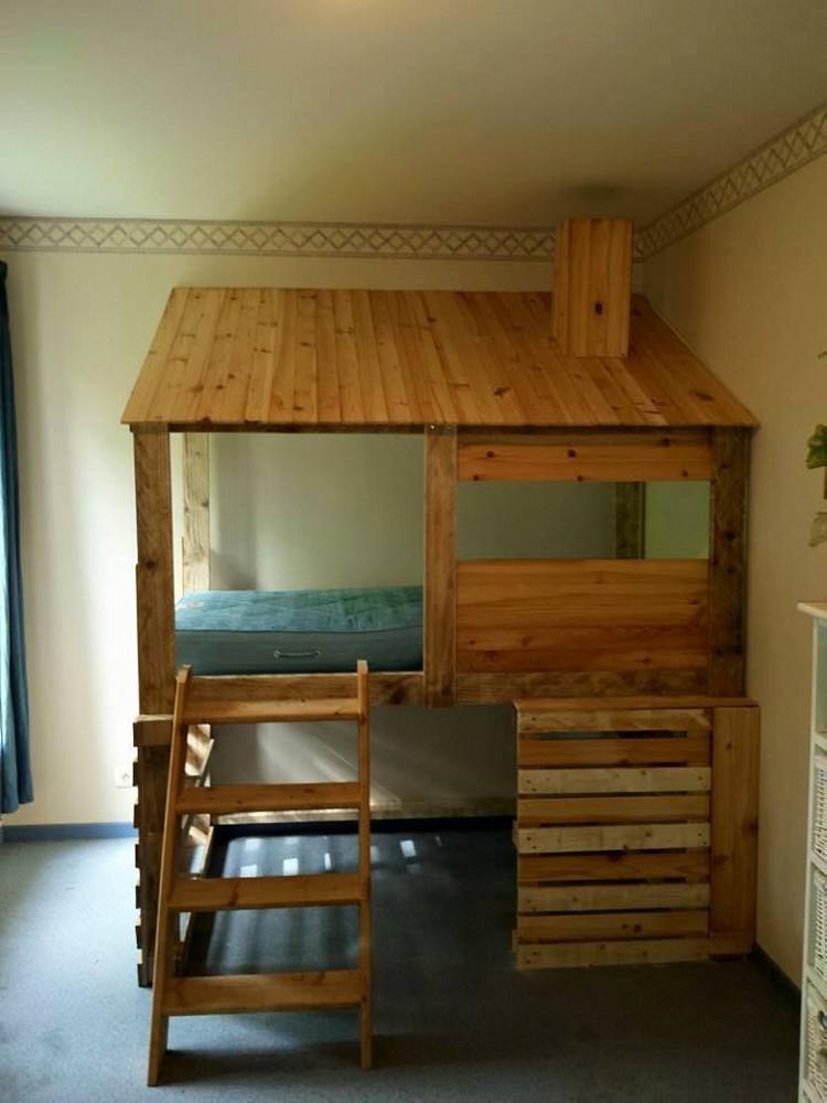 Diy Pallets Log Cabin Kids Bed Pallet Ideas