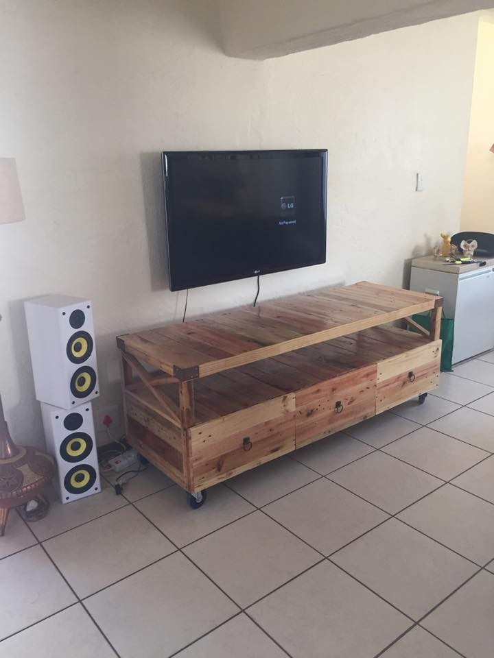Wooden Pallet Rustic TV Stand Pallet Ideas Recycled