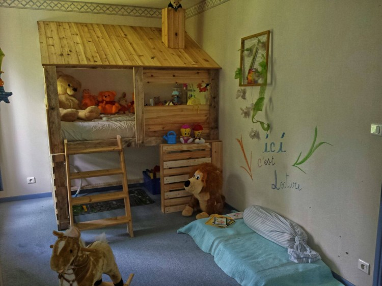 Diy Pallets Log Cabin Kids Bed Pallet Ideas