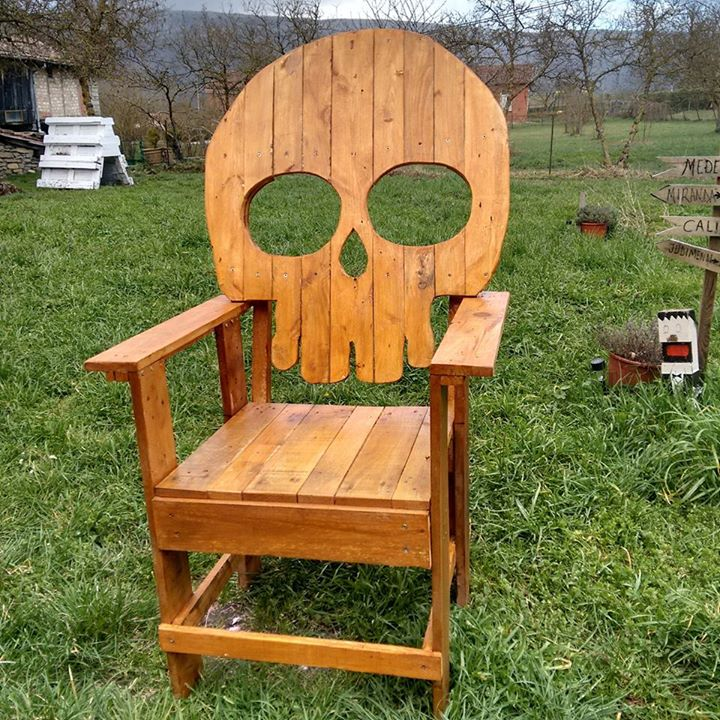 Pallets Skull Chair