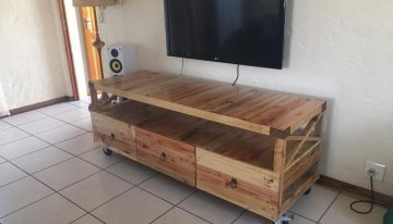 Wooden Pallet Rustic TV Stand