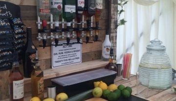 Pallet Wood Powered Bar
