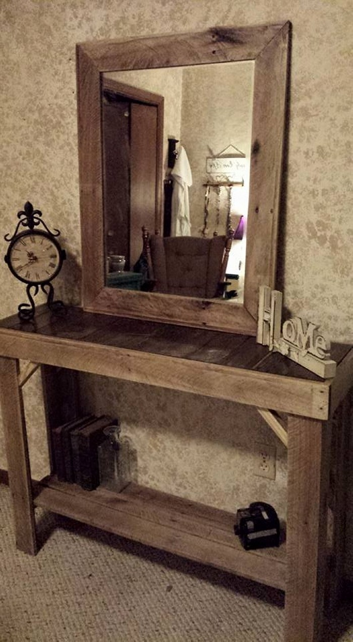 Reclaimed pallets wood entryway table with mirror pallet for Entryway furniture