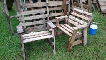 Chairs from Wood Pallets Scrap