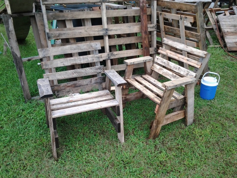 Wood Pallets Recycled Chairs