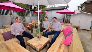 Cute Patio Furniture Out of Wooden Pallets