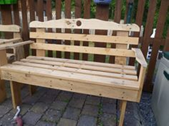 how to make garden benches from pallets