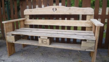 Patio Pallet Made Bench