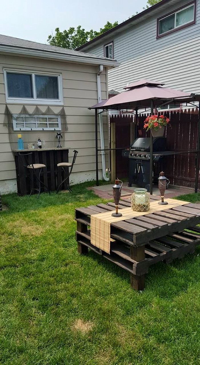 Pallet Outdoor Bar With Table Pallet Ideas