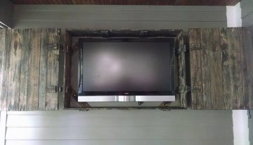 Pallet Wood TV Screen Cover