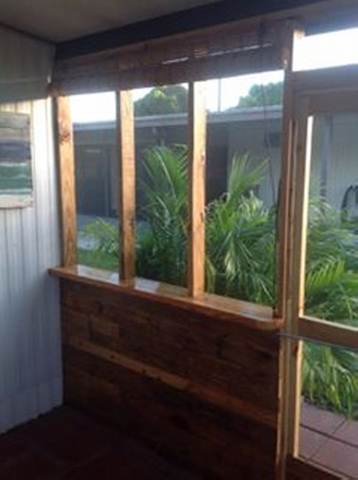 Patio Privacy With Wood Pallets Pallet Ideas