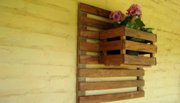 Stunning Pallet Wall Planter Projects