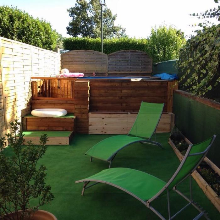 Pallet Wood Deck with Furniture | Pallet Ideas
