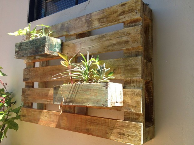 Stunning Pallet Wall Planter Projects Ideas