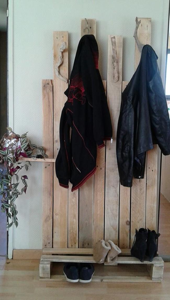 Pallet Coat Rack | Pallet Ideas