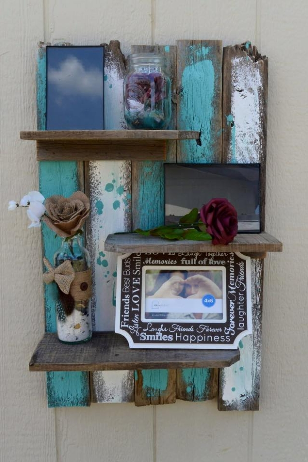 Simple Rustic Pallet Wall Shelf