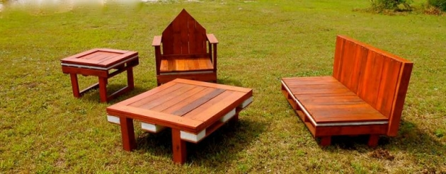 Custom Pallet Furniture Designs