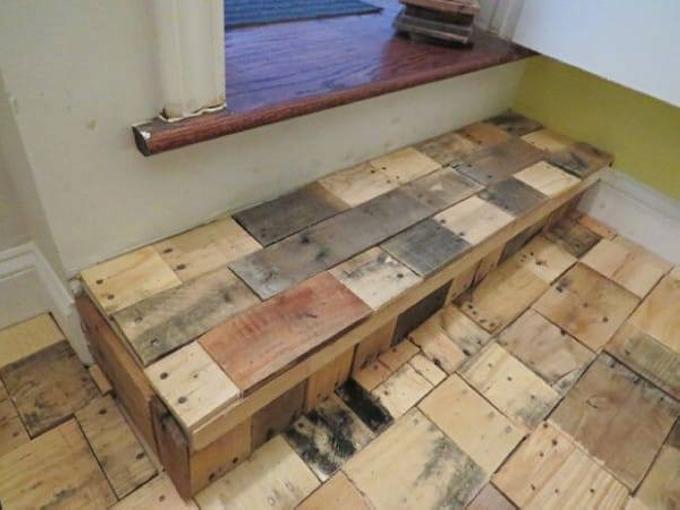 DIY Recycled Pallet Wood Flooring | Pallet Ideas