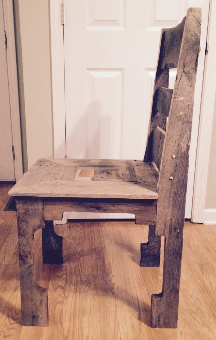 Pallet dining room chair pallet ideas recycled for Dining room chair ideas