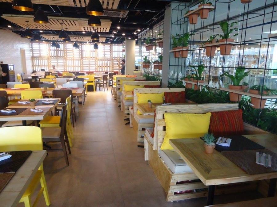 Pallet Furniture At The Restaurant Pallet Ideas