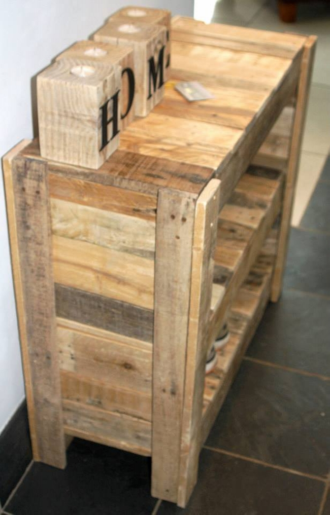 recycled pallet shoe rack pallet ideas. Black Bedroom Furniture Sets. Home Design Ideas