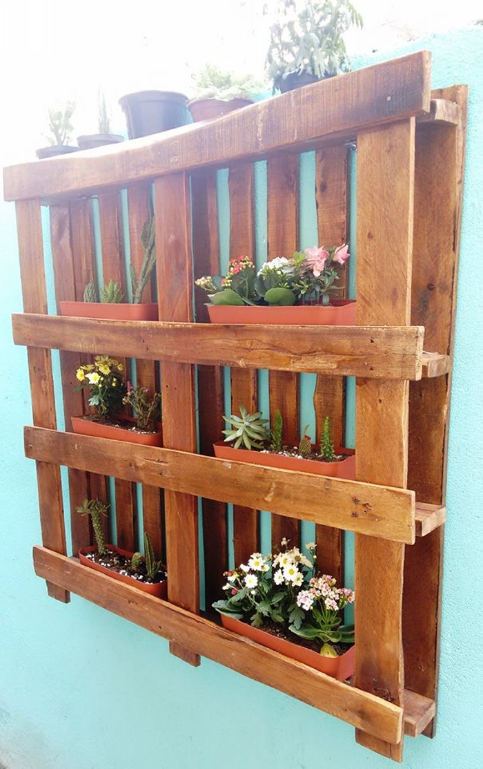 Hanging Garden Out of Wooden Pallet Pallet Ideas