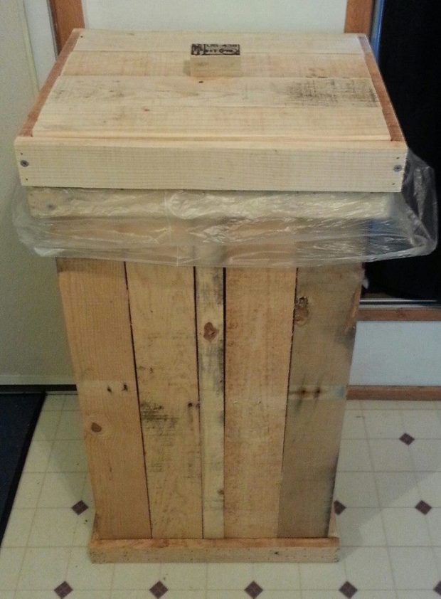 Pallets Wooden Trash Can Pallet Ideas