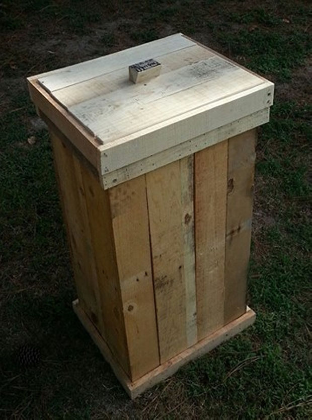 Pallets Wooden Trash Can