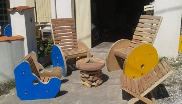 Recycled Outdoor Furniture Out of Pallets