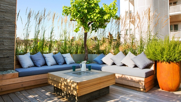 Stunning Outdoor Pallet Furniture