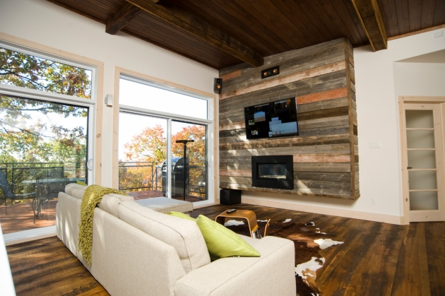 wood pallets wall decor