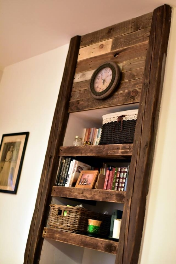 Pallet Shelves With Wall Decor Pallet Ideas