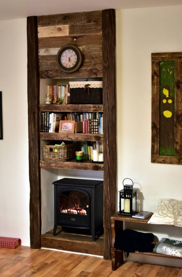 pallet shelves with wall decor pallet ideas. Black Bedroom Furniture Sets. Home Design Ideas