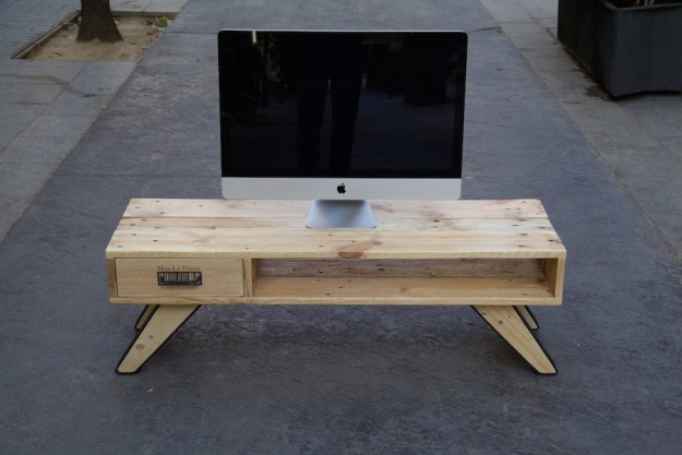 how to build a tv stand out of pallets