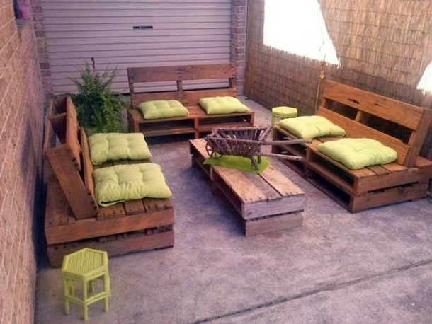 Used Wooden Pallet Furniture