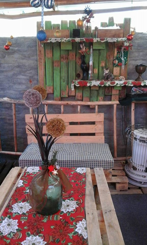 Patio Decor Out Of Wooden Pallets