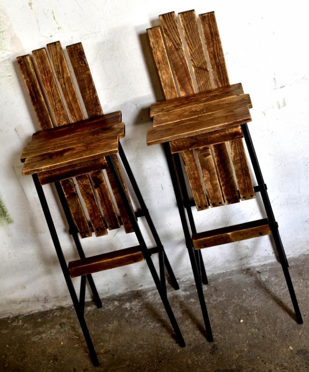 Pallet Kitchen Chairs: Repurposed Pallet Bar Chairs