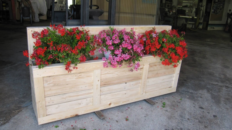 Pallet Wooden Planter Box | Pallet Ideas