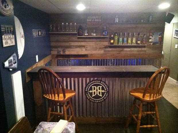 Recycled wood pallet bar ideas pallet ideas recycled for Diy wood bar