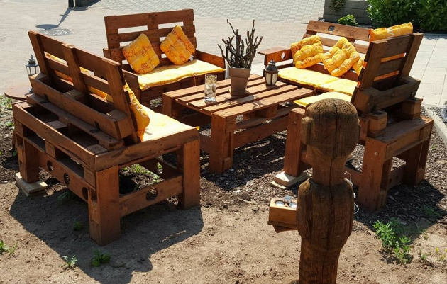 Outdoor Furniture From Wood Pallets Pallet Ideas